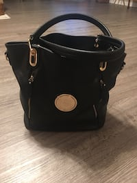 black Michael Kors leather handbag Stockport, 43787