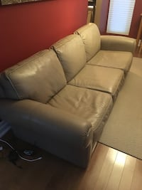 Three Seater Leather Couch  Mississauga, L5A 2A8