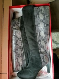 Impo Sz 9.5 Blk Suede/Python Dress Boots  Stanford