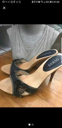 Authentic Guess Sandals Colchester, 06415