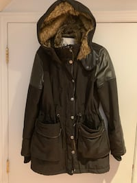 Women's winter coat size XS Montréal, H1E 3K4
