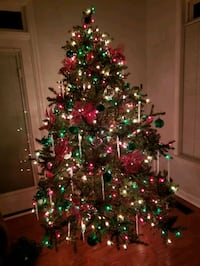 Christmas Tree 7.5 ft complete with decorations  Hampton, 23666