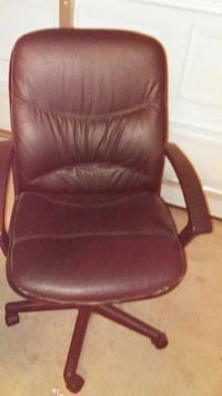 black leather rolling armchair Murfreesboro, 37128