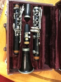 black and gray clarinet in case Spring, 77380