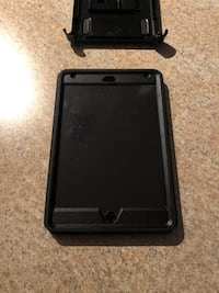iPad mini 4, 128GB, space gray. Includes case and charger. Perfect condition   Woodbridge, 22192