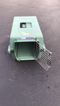Pet cage portable Northbrook, 60062