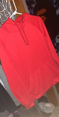 Nike sweater Des Moines, 50320