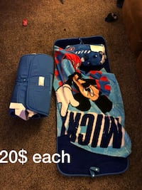 blue Mickey Mouse towel Janesville, 53546