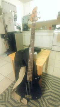 black and brown electric bass guitar Westminster, 92683