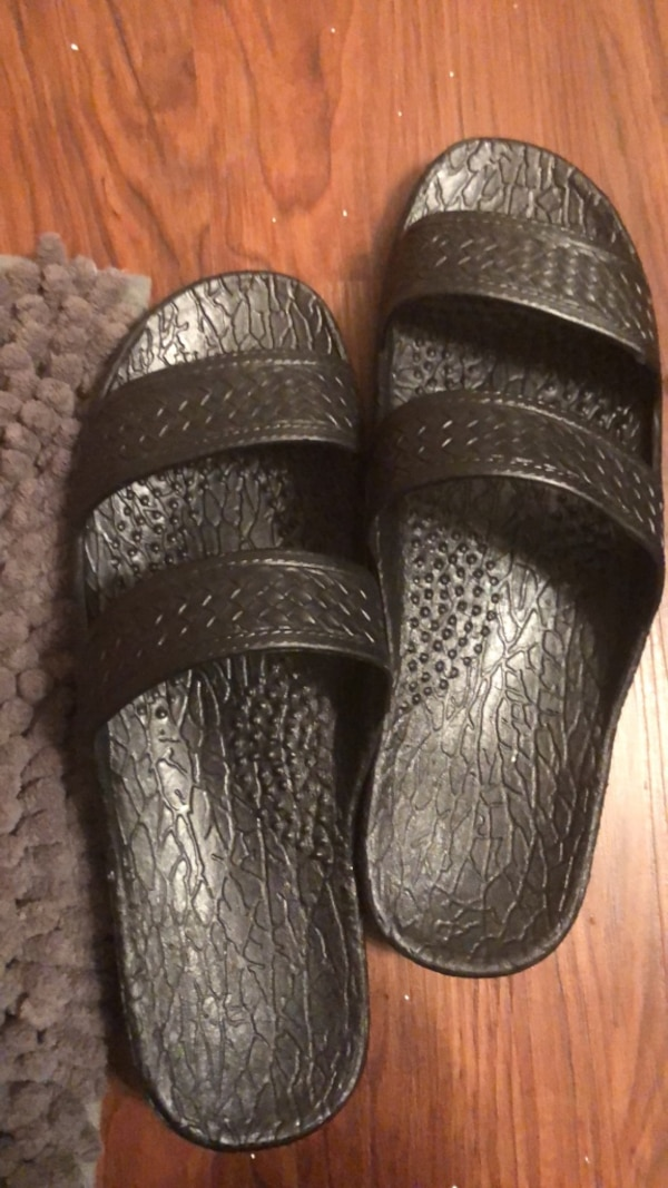 0aeb10012 Used pair of black leather slide sandals for sale in McKinney - letgo