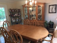 Dining room table & 6 chairs  East Northport
