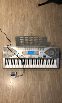 Keyboard Piano with sustain pedal