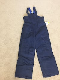 Brand new with tag size 6-7 snow pants