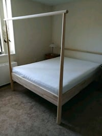 Ikea bed frame plus mattess less than 1 yr Alexandria, 22314