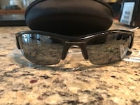 Oakley sun glasses Baltimore, 21211