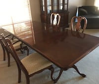 MOVING Sale! LONG Dining room table, chairs & China cabinet Gilbert, 85297