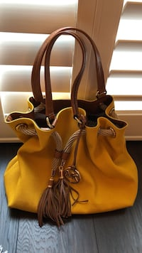 YELLOW AND BROWN MICHAEL KORS North Vancouver, V7M 1J2