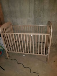 Baby crib Lawrenceville, 30046