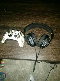 Xbox One controller and headset  South Ogden, 84403
