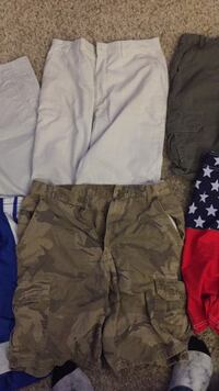Brown and gray camouflage cargo shorts 2340 mi