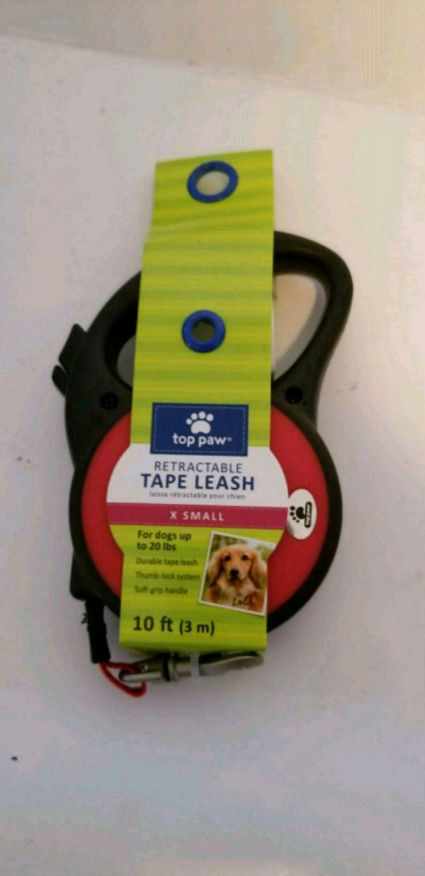 Extra small retractable dog leash up to 20 lbs