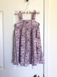 Old Navy Toddler girl's floral dress size 3T- New, never worn Mississauga, L5M 0C5