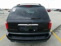 2006 CHRYSLER TOWN AND COUNTRY Milwaukee