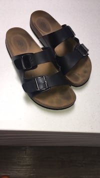 ROCK REPUBLIC like Birkenstocks cork sandals size 11-small whip on the inside still lots of life left-sole good condition London, N5W 1E8