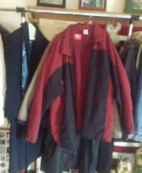 Men's burgundy and blue windbreaker sports jacket Glen Burnie, 21061