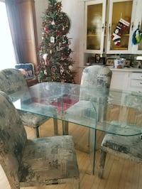 Dining room table and chairs 665 mi