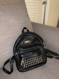 Micheal kors mini backpack black (condition: good)(negotiable) San Diego, 92108
