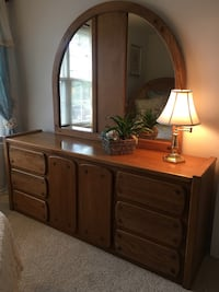 Queen/Full Bedroom Set Saint Peters, 63376