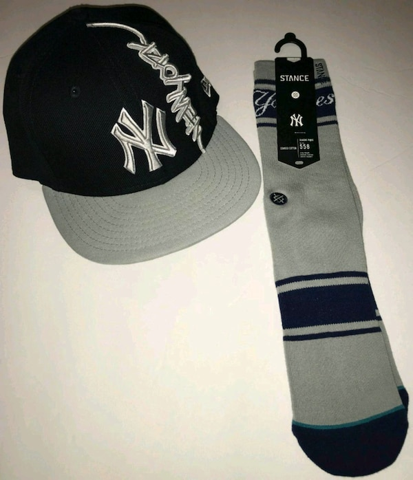 5c840eac1de Used 7 5 8 NY YANKEES FITTED HAT   MATCHING SOCKS. for sale in Dallas -  letgo