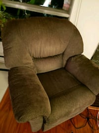 brown fabric recliner sofa chair Montreal, H3E 1L7