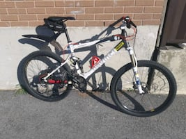 Devinci Moonracer DH mountain bike/velo montagne d
