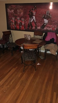Round brown wooden table with two chairs Franklin, 08873