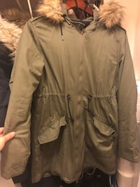 Thyme Maternity 5-in-1 Parka with Removable Belly Panel King, L7B 0C6