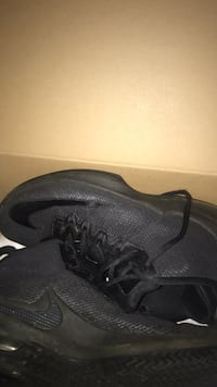 Nike shoes $20 still in the box size 8 Tulsa, 74130