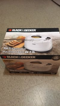 Black s decker Breadmaker 3 lb Georgina, L0E 1L0