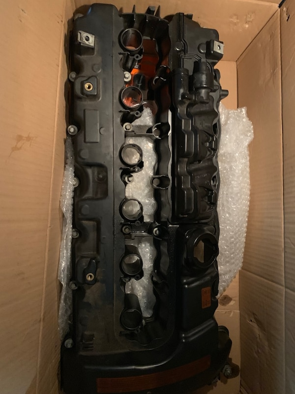 Bmw n54 Valve Cover oem ( [TL_HIDDEN] )