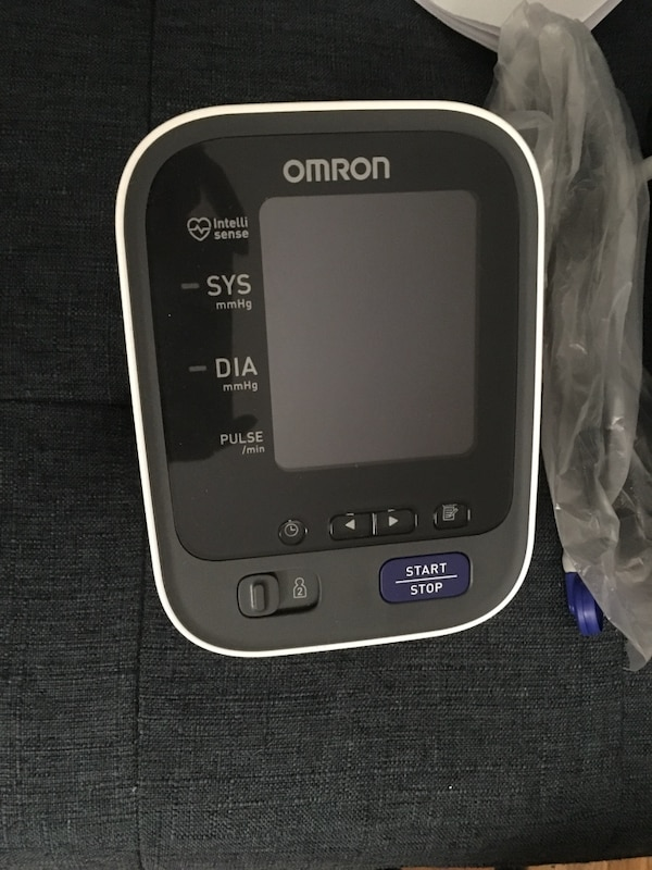 Omron 10 Series Wireless Bluetooth Upper Arm Blood Pressure Monitor with  Two User Mode