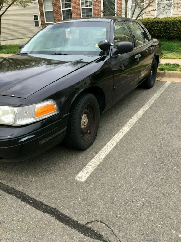 Ford - Crown Victoria - 2001