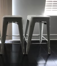 """24"""" counter high stools in distressed white (set of 2)  Detroit, 48227"""