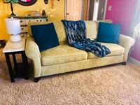 Living room couch Council Bluffs, 51503