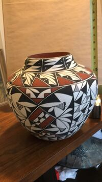 "Laguna Pottery signed. 14"" Albuquerque, 87120"