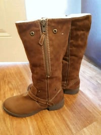 LADIES SUADE BOOTS say 8 London