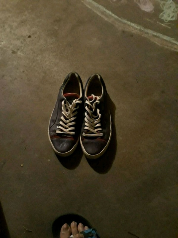 02c2286062b7 Used pair of black low top sneakers for sale in Fort Worth - letgo