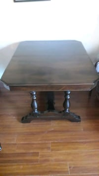Antique solid walnut dinning table w/ 6 chairs  Burlington, L7M 4N6