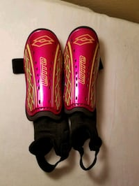 "Pink Shin Guards - size small. 3'3""-3'10"". Great C"