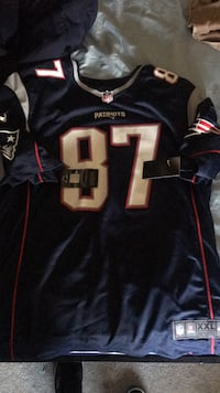 Gronk Jersey, 2x asking for 80$ Lowell, 01852